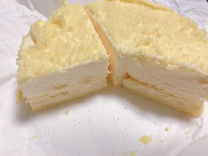 ルタオのチーズケーキをカットした後