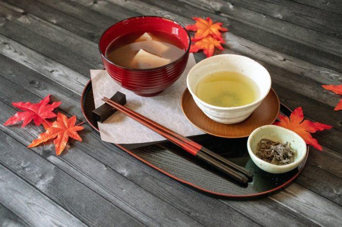 和のスイーツと緑茶