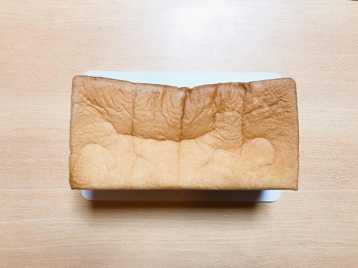 午後の食パンを上から見る