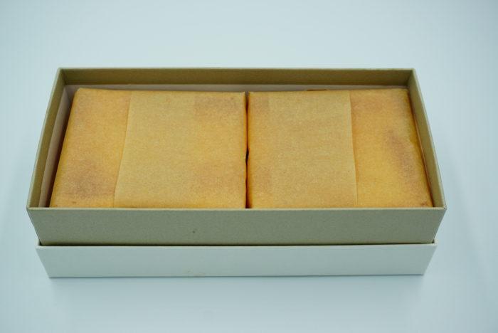 チーズケーキホリックの箱を開ける