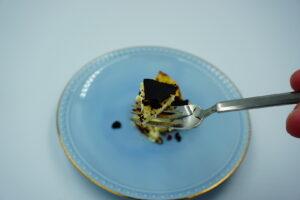 九州お取り寄せ本舗のバスクチーズケーキを食べる